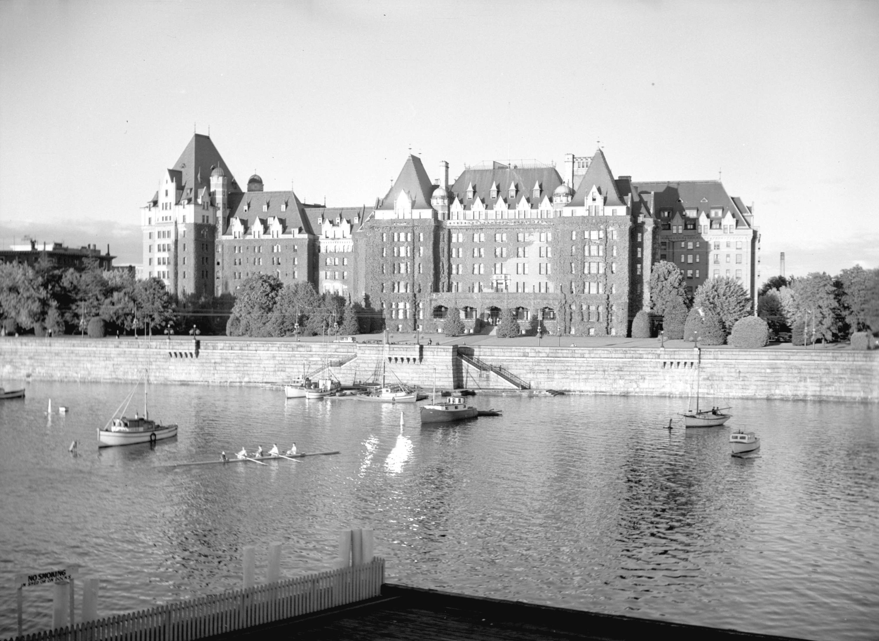 1940 Image of the Empress Hotel