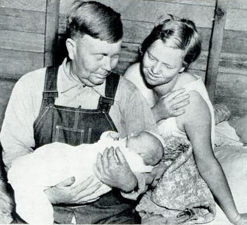 Louis and Effie Crawford with Baby Moses