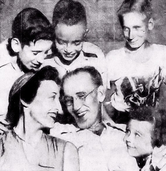 Etta R. Crosbie and Jesse L. Garrett with their children: Karin Crosbie (lower Right) and Jimmy Garrett, Quin Crosbie, and Jesse Garrett, Jr. (left to right in the back row).