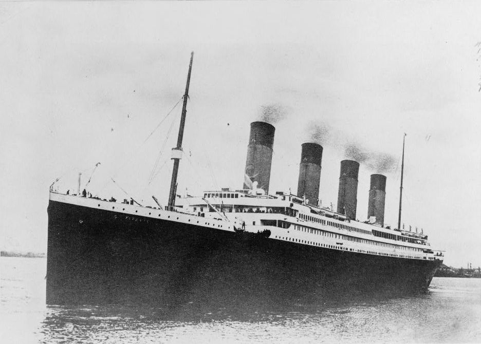 The Titanic sailing in ocean.