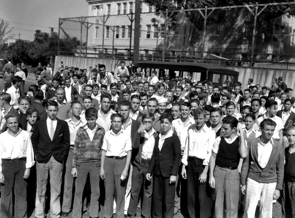 High school students start hunt for missing educator, Elliott B. Thomas, Redondo Beach vicinity, circa October 18, 1932.